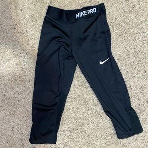 Nike Dri-Fit Cropped Leggings